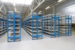 Полочные стеллажи для складских помещений