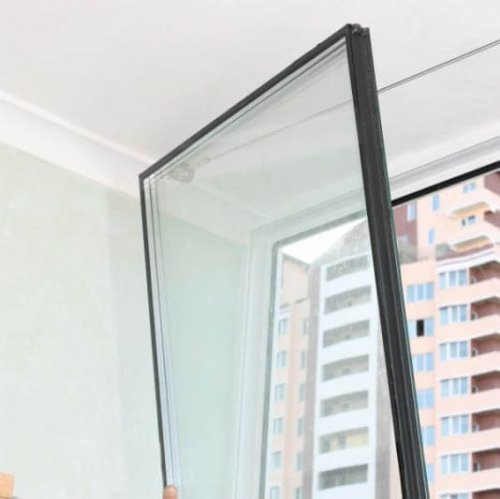 Ремонт стеклопакета: нужно ли менять разбитое стекло?