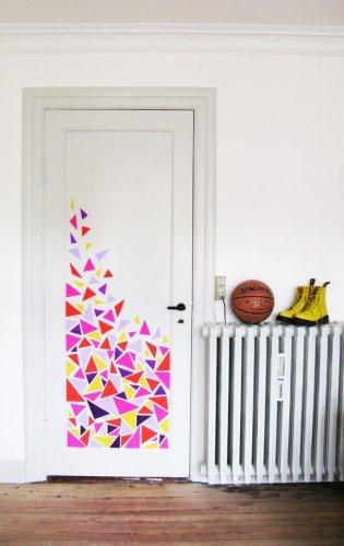 Декорирование двери мозаикой